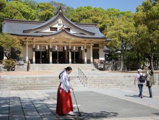 7 湊川神社