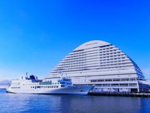 8 神戸港中突堤