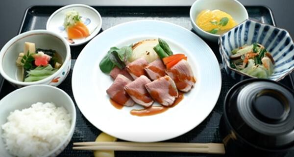 京鴨の煮込みロース(特別食)